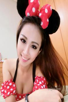 Sweet girl Christine Pang private room selfie photo